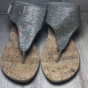 White Mountain Shoes - WHITE MOUNTAIN shimmery cork wedges size 6